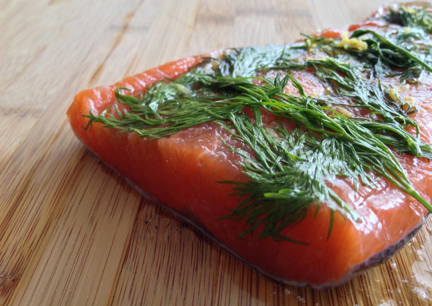 gravlax de saumon l rable au gin ungava cuisine. Black Bedroom Furniture Sets. Home Design Ideas
