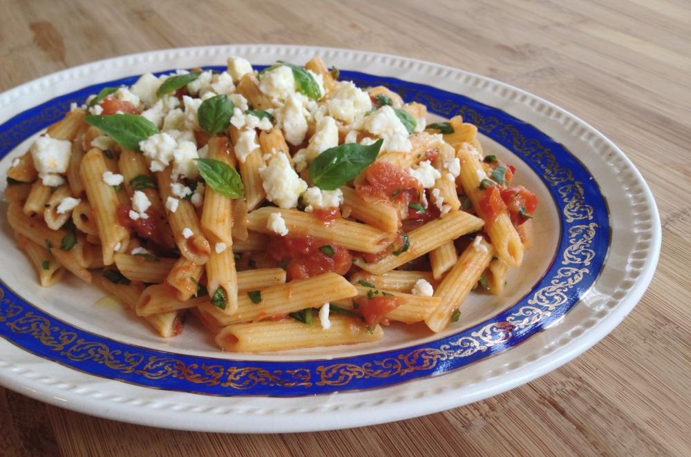 penne-sauce-tomate-epinard-feta-1
