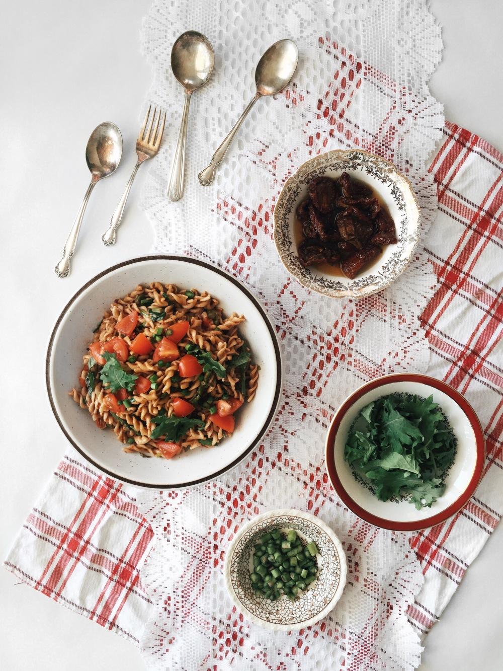 salade-pates-asperges-tomates-sechees