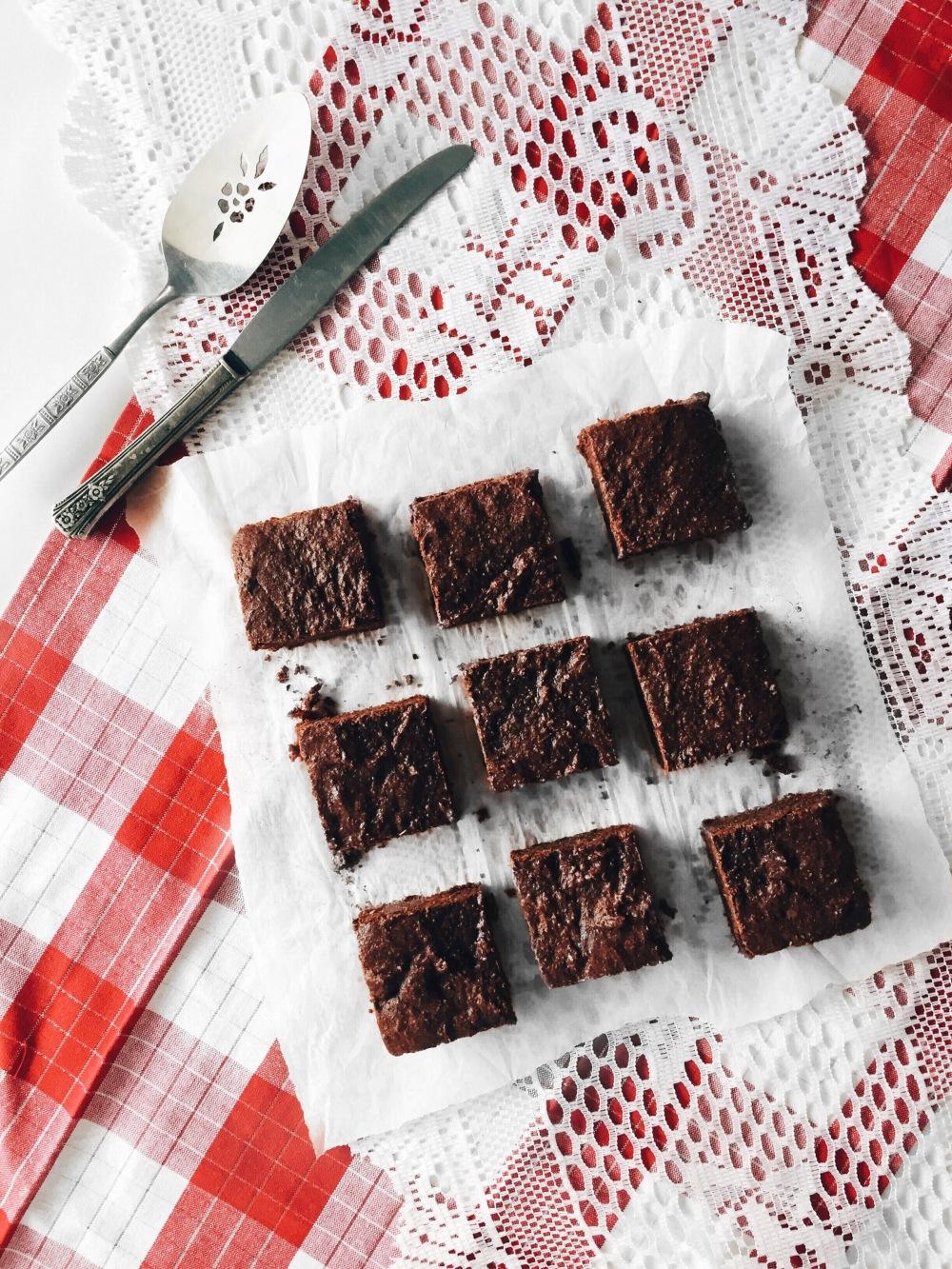 brownies véganes sans gluten au chocolat noir et haricots
