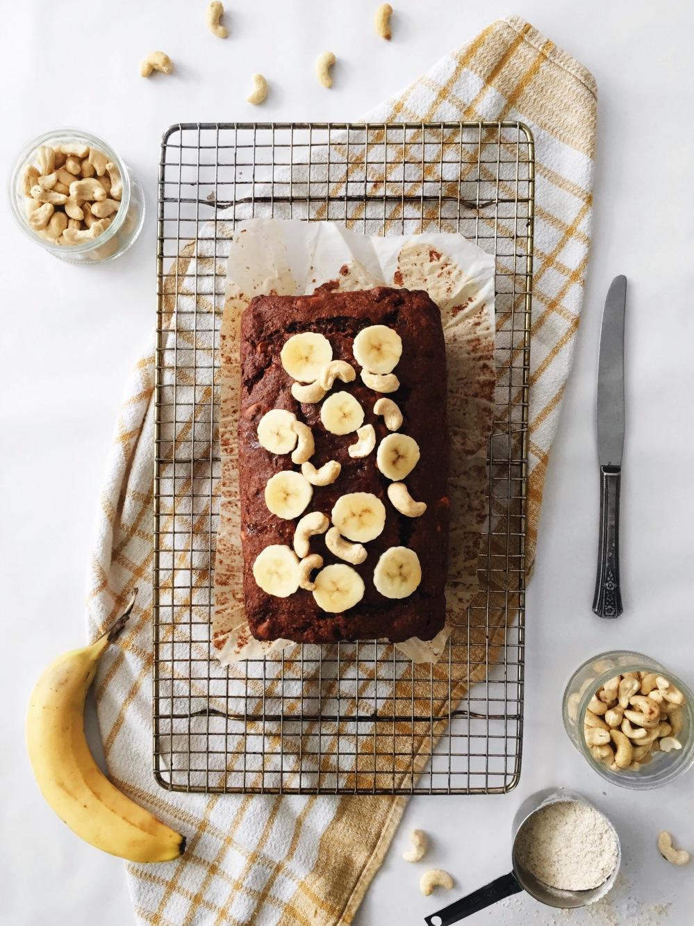 Pain aux bananes véganes double chocolat et noix de cajoux