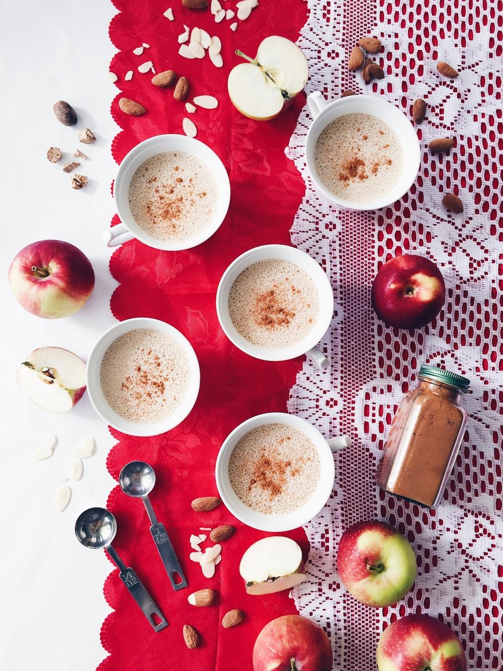 Chaï latté végane aux pommes et aux amandes
