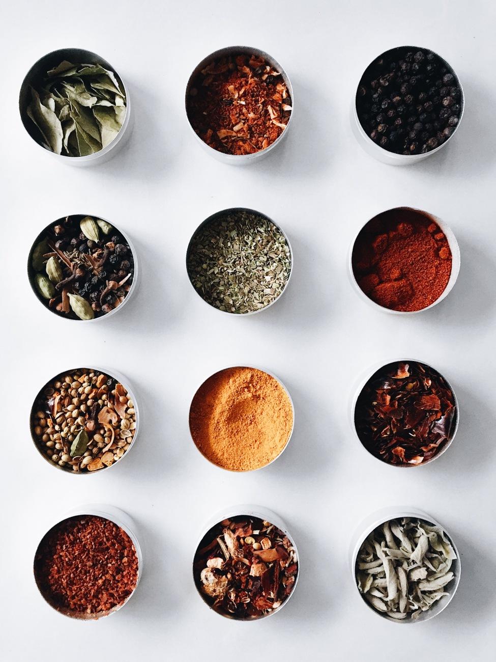 Cadeaux gourmands - Mélanges d'épices maison : à salade, cari, cajun et barbecue